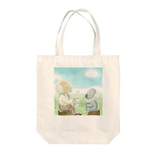 おじいちゃんとコアラ Tote bags