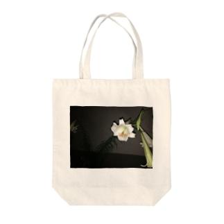 お花パフパフちゃん Tote bags