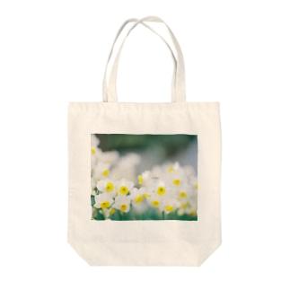 「水仙」 KODAK PORTRA 400 Tote bags
