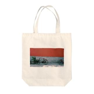 ZI XING CHE Tote bags