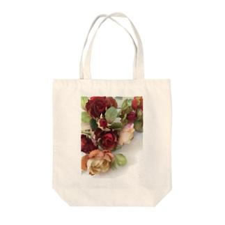 ロージー Tote bags