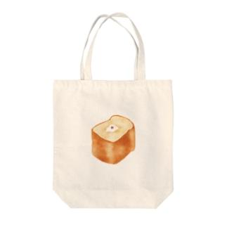 パンに埋もれるとりトート Tote bags