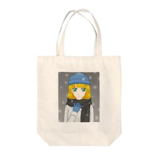 青いニット帽の少女 Tote bags