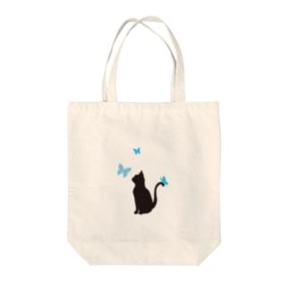 猫と蝶(青) Tote bags