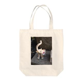 パオーン Tote bags
