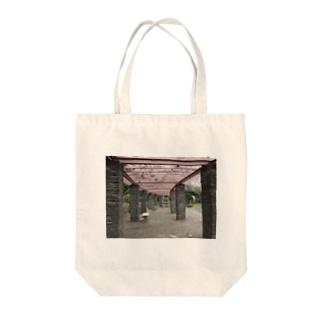 がらんとベンチ Tote bags