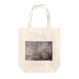 油絵:『白い花のある小部屋』 Tote bags