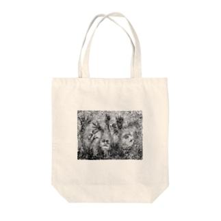 evol-mono Tote bags