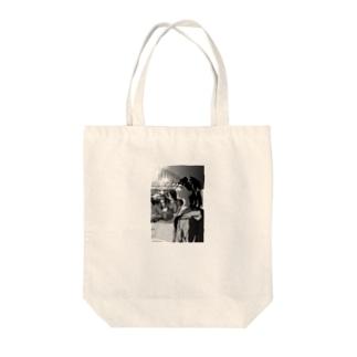 「この過ぎゆく一瞬を」 Tote bags