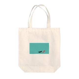 水面下の金魚 Tote bags