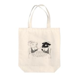 シロヤギさんとクロヤギさん Tote bags