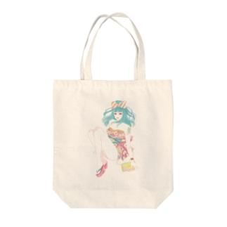 響子ちゃん Tote bags