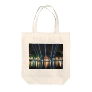 ホアンキエム湖大晦日ライトアップ Tote bags