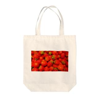 たっぷりいちご Tote bags