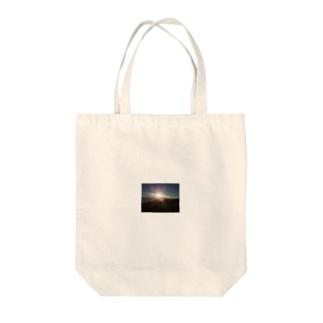 高速上~都県境の夜明け~ Tote bags