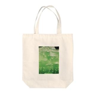 メロンソーダー Tote bags