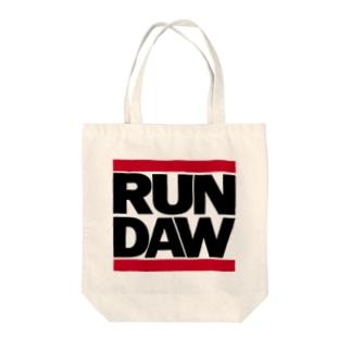RUN DAW Tote bags