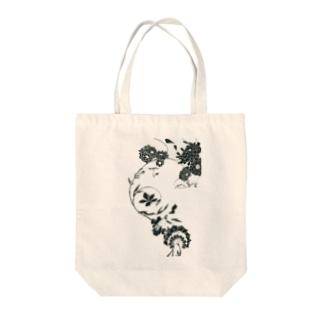 夏の草花(ブラック) Tote bags