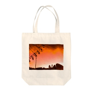 夕焼けリフレクション Tote bags