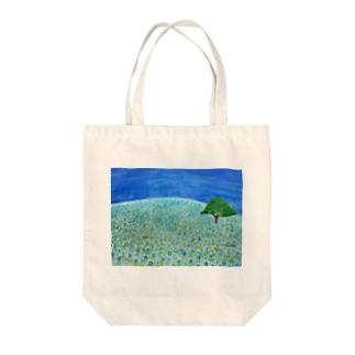 青い花咲く丘    ネモフィラ Tote bags