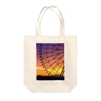 マジックアワーに富士山 Tote bags