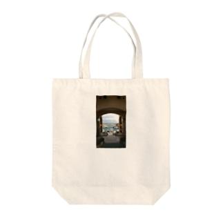 地中海 Tote bags