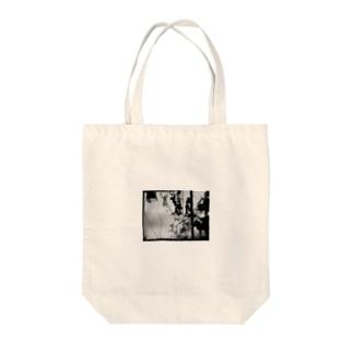 黒ガラクタ Tote bags