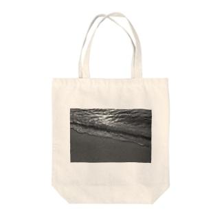 Nami Tote bags