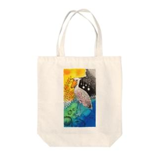 ハシビロコウと星と林檎 Tote bags