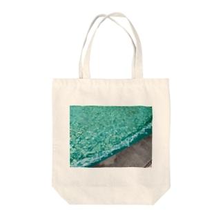 みどりのふんすい Tote bags