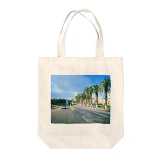 モロッコ:椰子の並木道 Morocco: Palm Tree-Lined Street Tote bags