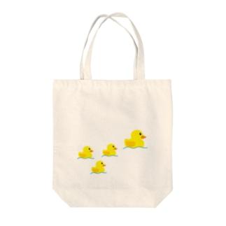 アヒルの親子 Tote bags