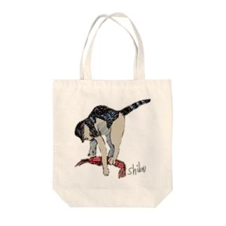 海老を仕留める猫 Tote bags