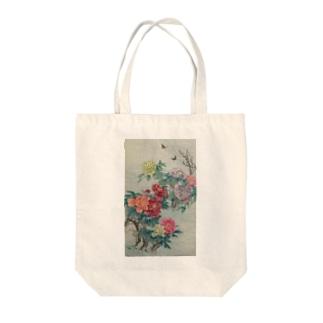 牡丹と蜂 Tote bags
