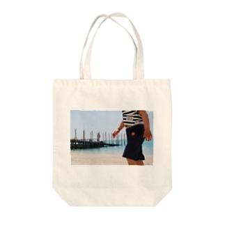 沖縄県南城市玉城百名 Tote bags