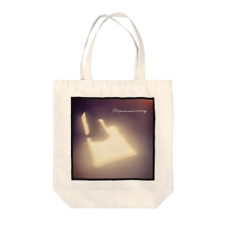 Old-fashioned morning 〜古めかしい朝〜 Tote bags
