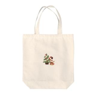 クリスマスの飾り付けをするうさりんご Tote bags