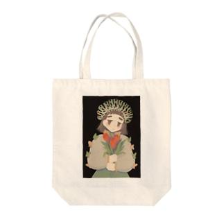 キアゲハちゃん Tote bags