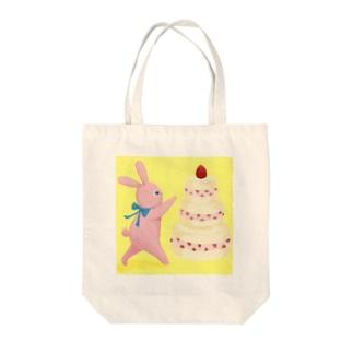 いちごが好きなうさぎ Tote bags