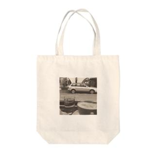 カフェでのひととき Tote bags
