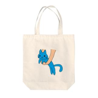 運ばれ伸びる猫 Tote bags