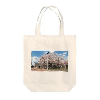 まぶしい京都の春 Tote bags