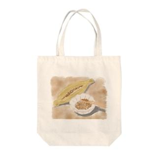 水彩画の納豆 Tote bags