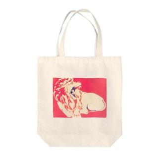 ライオンのナッツ Tote bags