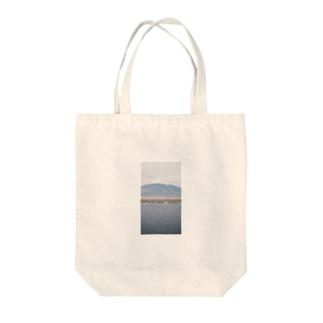 とりと山 Tote Bag