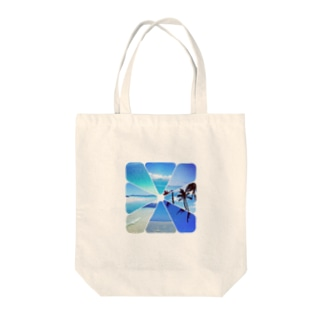 Blue Hawaii Tote bags