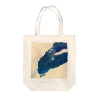 みずたまり Tote bags