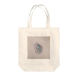 うまキリンモドキ Tote bags