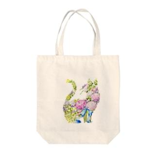 ラナンキュラスの花束 Tote bags