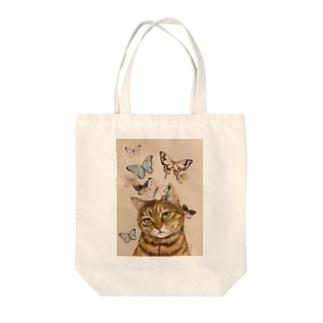 猫に蝶 Tote bags